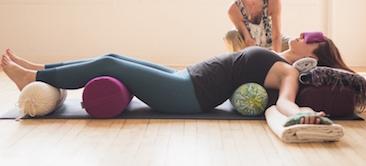 Curso de Especialización en Yoga Restaurativo