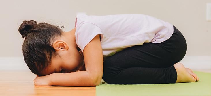 Instructor/a Especializado/a en Yoga en la Educación - 100h
